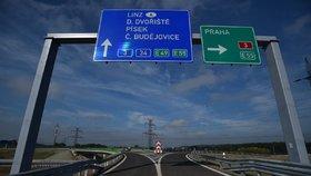 Dálnice D3 na jihu Čech je o tři kilometry delší. Silničáři otevřeli úsek Borek–Úsilné