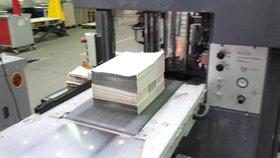 Podívejte se: 11 milionů volebních lístků míří z tiskárny, padlo na ně 600 tun papíru