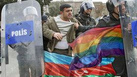 """Obří lov na gaye: 60 lidí skončilo za mřížemi, jsou prý """"nakažliví"""""""