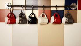 Galerie nápadů: Jak uložit hrnečky v kuchyni, aby nepřekážely