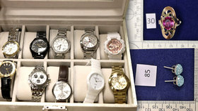 Zlodějky nakradly hodinky a šperky za statisíce: Nejsou vaše?