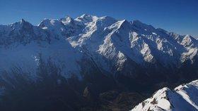 Alpy tají, varují horolezci. Většina cest na Mont Blanc už je nepřístupná