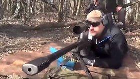 Ruský odstřelovač trefil cíl na 4,1 kilometru. Na světový rekord cvičil osm let