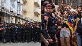 Občanská válka ve Španělsku je na spadnutí, varuje bývalý eurokomisař od Merkelové