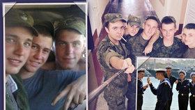 Konec selfie v ruské armádě. Vojáci mají kvůli nepříteli s fotkami utrum