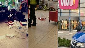 Polák v amoku bodal do zad lidi v obchodním centru: Jedna mrtvá, devět zraněných