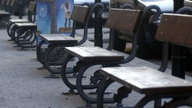 Koše a lavičky jsou v Praze každý pes jiná ves. Nový dokument má podobu prostranství sjednotit