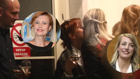 Kamarádky Schneiderová a Polívková: Líbačka na přivítanou!