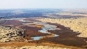 Číňané plánují 1000kilometrový tunel. Povede vodu z tibetské oázy do pouště
