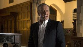 Kevin Spacey obviněný ze sexuálního obtěžování dostal padáka: V Domu z karet si už neškrtne