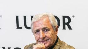 Karel Heřmánek chce zavřít divadla: Zrada! Ať jde k čertu! zuří čeští herci