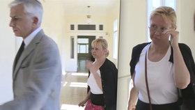 Právnička lila nadřízené do pití projímadlo: Do vězení odmítá nastoupit