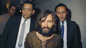 Film o vrahovi Charlesu Mansonovi: Tarantino obsadí Pitta s DiCapriem