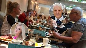Charouz (63) vyvezl Myslivcovou (23): Společná snídaně v hotelu a luxus za tisíce