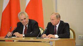 Zeman oslaví půlkulaté výročí konce války v Rusku. Prezidenta zve do Moskvy Putin