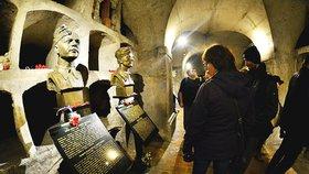 Pražané prozkoumali kryptu kostela svatého Cyrila a Metoděje. Vzpomínali na Anthropoid