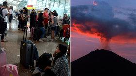 Sopka vyhnala tisíce turistů z dovolenkového ráje. Češi na Bali létají dál