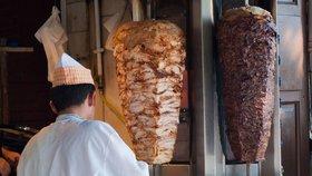 Češi o kebab nepřijdou: EU v něm nechá fosfáty, odpůrci neuspěli