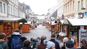 Vánoční trhy vyklidili kvůli bombě: Balíček měl asi sloužit k vydírání, říká policie