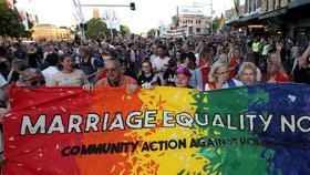 Austrálie povolila sňatky gayů a leseb. Úřady uznají i svazky uzavřené v zahraničí