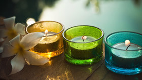 Test vonných svíček: Která vám bude vonět a vydrží nejdéle?