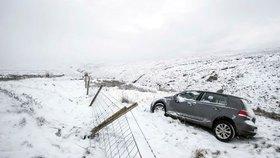 Sněhová bouře Emma udeřila. V Irsku se zastavil život, Britové povolali armádu