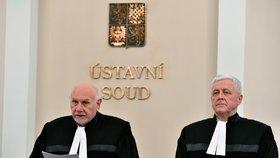 Místo výtek i pokuty. Tresty pro ústavní soudce za přestupky přitvrdí, rozhodli senátoři