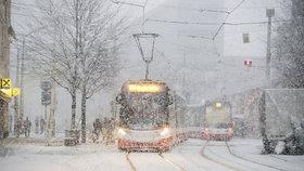 """Prahu čeká další """"zimní"""" týden. Dojde v listopadu i zde na první sníh?"""