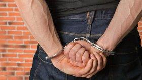 Policie v Rakousku zadržela Čecha (47), který v kostelech vykrádal pokladničky!