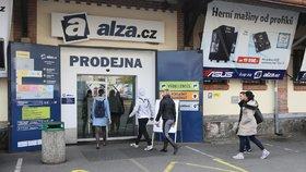 Alza.cz se zavřela před lidmi. Masivní výpadek znemožnil vyřizovat objednávky