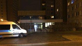 Noční drama na opatovské ubytovně: Policie hledala muže, který pobodal jednoho z hostů