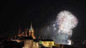 Silvestrovské oslavy i ohňostroj omezí dopravu v Praze. Které ulice budou uzavřené?