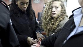 """Za dvě facky 8 měsíců vězení: Palestinka (17) zaútočila na izraelské vojáky, stala se """"hrdinkou"""""""