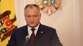 Ústavní soud už měl dost obstrukcí prezidenta: Zbavil ho dočasně funkce