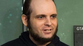 Kanaďana 5 let věznil Talibán. Teď má sám na krku únos a sexuální útoky