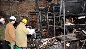 Rok od vyhoření textilky Karnola: Zapálili ji dva kluci (14), trestu uniknou