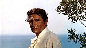Zjizvený idol žen Peyrac z Angeliky: Jak vypadá Robert Hossein dnes?