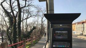 Stání v Praze za čtyřicet korun na den: Přes svátky řidiči zaparkují levněji