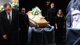 Poslední rozloučení s Jakubem Zedníčkem (†27): Zhroucený strýc Pavel a VIP ochranka