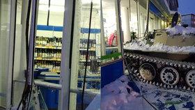 Loupež století: Rus chtěl v obchodě odcizit lahev vodky. Ukradl tak tank a projel výlohou