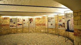 Praha 3 ukazuje hrůzy koncentračních táborů: Varuje před neonacismem
