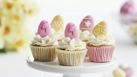 Velikonoční cukroví: Upečte si zajíčky, perníčky i velikonoční muffiny