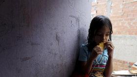 Raději sirotčinec než smrt. Venezuelané odkládají děti, aby neumřely hlady