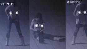 Opilá Iveta předvedla striptýz na náměstí: Nahá běhala v mrazu