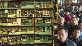 Peking i Šanghaj mají méně obyvatel. Čína se pyšní prvním poklesem za 20 let