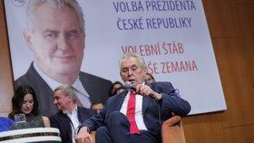Zeman se poprvé od voleb objeví na Hradě. Pak si bere dovolenou a Ovčáček zuří