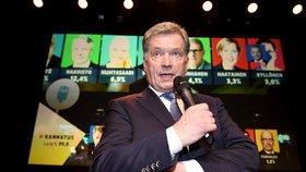 Prezident čeká dítě s tiskovou mluvčí. Niinistö povede Finsko dalších šest let
