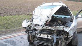 Cizinec v noci boural v Plzni, zřejmě v kradeném autě