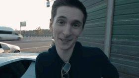 Hackera vydaného do USA prohlédnou psychiatři. V Česku ho dopovali hypnotiky, tvrdí advokát