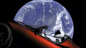 Miliardář Musk poslal do vesmíru mrtvolu? Odpálení rakety nabudilo konspirátory